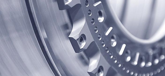 Wir führen Qualitätskontrollen | Nacharbeiten | Montagen | Verpacken | von Präzisionsteilen im Kundenauftrag durch.